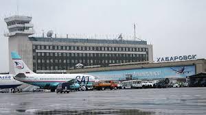 В Хабаровске сняли с самолета пассажиров, обездвиженных алкоголем