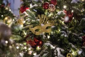 Британцы назвали хит Мэрайи Кэри самой надоедливой рождественской песней