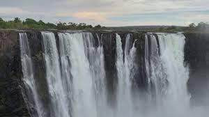 Водопад Виктория обмелел из-за сильнейшей засухи в Африке
