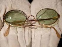 Очки музыканта Джона Леннона продали на аукционе за 180 тысяч долларов
