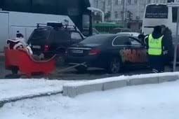 В Казани сотрудники ГИБДД составили шесть протоколов на сани Деда Мороза