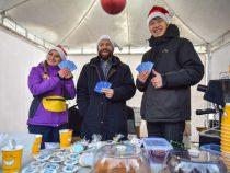 В Бишкеке проходит новогодняя ярмарка