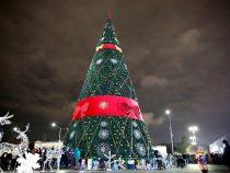 Редакция сайта novosti.kg поздравляет кыргызстанцев с Новым годом!
