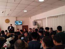 Суд экс-мэров: Ибраимов приговорен к 15 годам, Кулматов освобожден