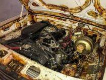 Капсула времени: В гараже нашли «Волгу» без пробега и ящики водки времен СССР
