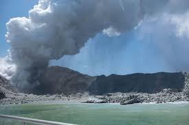 Найдены тела шести погибших во время извержения вулкана Уайт-Айленд