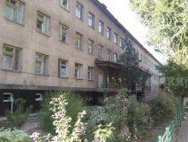 Прибывшие из Урумчи студенты размещены в Иссык-Атинской больнице