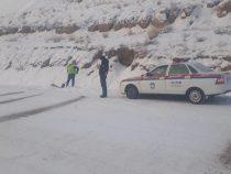 На трассах Нарынской области наблюдается сильный гололед