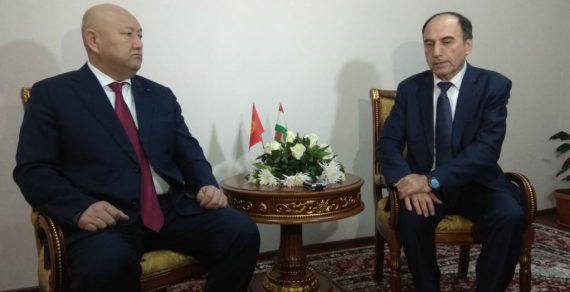 В Исфаре начались кыргызско-таджикские переговоры