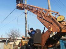 В Бишкеке продолжается ремонт наружного освещения