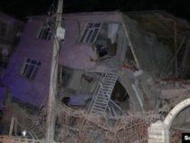 В Турции произошло мощное землетрясение. 19 человек погибли