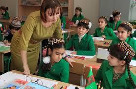 В Туркмении учителей обязали пользоваться одинаковыми ручками