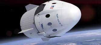 SpaceX планирует уже в следующем году отправить на орбиту космических туристов