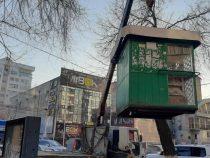 В Бишкеке вновь провели демонтаж незаконных объектов