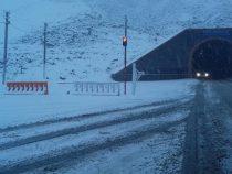 Сотрудники Минтранса и ГУОБДД проверяют машины на готовность к зимней эксплуатации