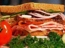 Компания отстранила сотрудника, который зарабатывал $1 млн: он украл на работе сэндвичи