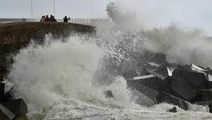 Жертвами шторма в Европе стали уже шесть человек