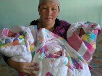 В Бишкеке родилась тройня — все девочки