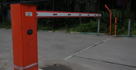 В Ухане жителям запретили покидать районы