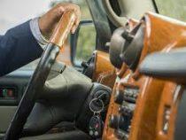 Учёные нашли связь между стоимостью авто и вежливостью водителя