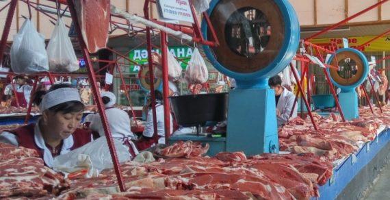 В Баткенской области закрывают крупные рынки на карантин