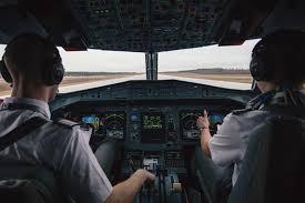 В Индии экипаж самолета сбежал через окно из-за пассажира с подозрением на коронавирус