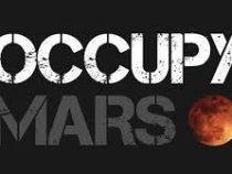 Илон Маск заявил, что нужно покорять Марс, а выложил фото Луны