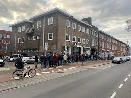 В Нидерландах из-за коронавируса образовались огромные очереди за марихуаной