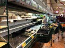 Магазин в США выбросил продукты на $35 тысяч после того, как на них покашляла покупательница