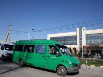 ВОше 28микроавтобусов ежедневно развозят медиков