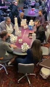 Игроки в покер использовали для ставок вовсе не деньги