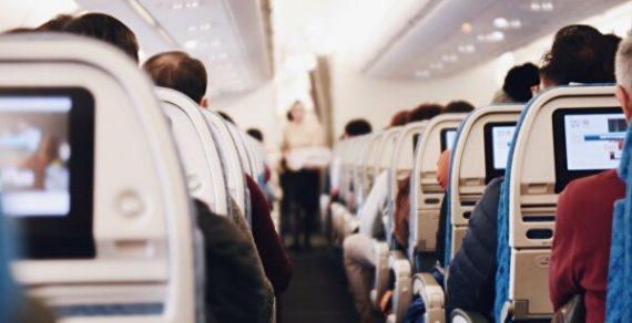 Выявлены все пассажиры, летевшие в самолете вместе с зараженными COVID-19