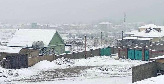 На Иссык-Куль вернулась зима