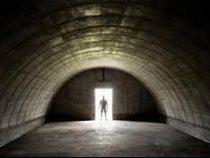 Миллиардер решил спастись от коронавируса в своем бункере и не смог его открыть