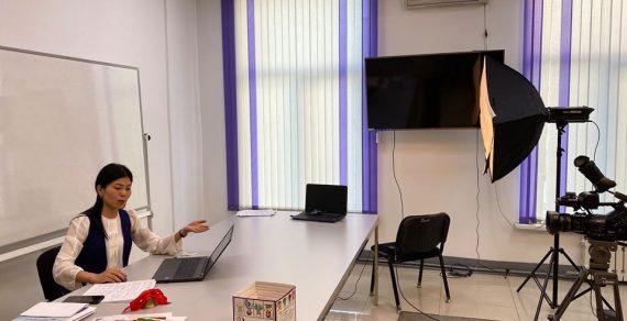Министерство образования разработало около 400 электронных учебников для школьников