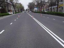 В Бишкеке обновляют дорожную разметку