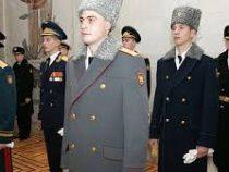 Армейских генералов в России планируют лишить каракулевых шапок