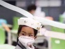 Школьники получили шляпы, позволяющие им соблюдать социальную дистанцию