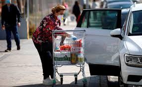 Женщину в Италии оштрафовали за 11 походов в магазин за сутки