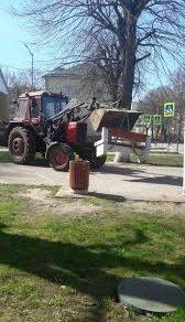 В городе Светлый под Калининградом демонтировали уличные скамейки