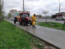 В Бишкеке продолжается дезинфекция улиц и дорог