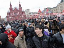 В России мигрантам разрешили временно не продлевать патенты