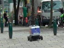 В Колумбии живых курьеров заменили на роботов