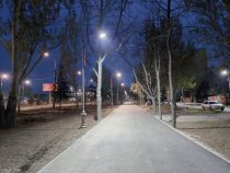 В Бишкеке продолжают ремонтировать наружное освещение