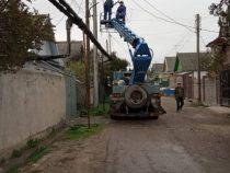 В столице продолжается ремонт наружного освещения
