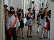 В школах Ошской области запретили проводить все праздничные мероприятия