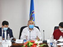 Боронов: Требование справки об отсутствии у кыргызстанцев COVID-19 излишне