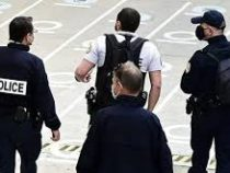 Во Франции спецназ, перепутав лево и право, ворвался не в ту квартиру