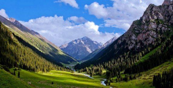Кыргызстанцы с 1 июня могут беспрепятственно ездить в горы