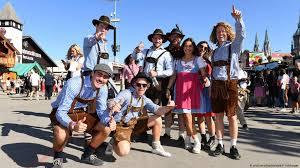 Чехия отменяет запрет на присутствие в общественных местах без масок